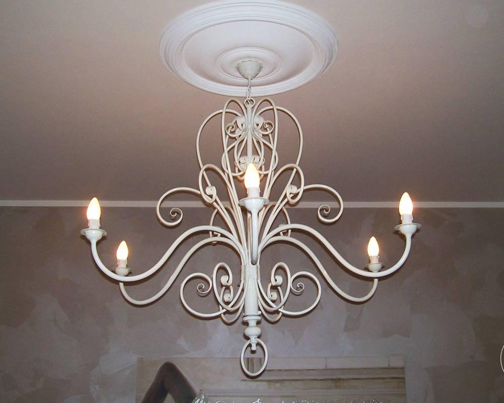lampadario ferro battuto : Appliques: in ferro battuto e plafoniere in ferro