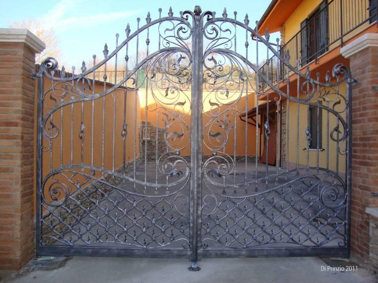 Come costruire un cancello in ferro battuto hn94 pineglen for Cancelli in ferro bricoman