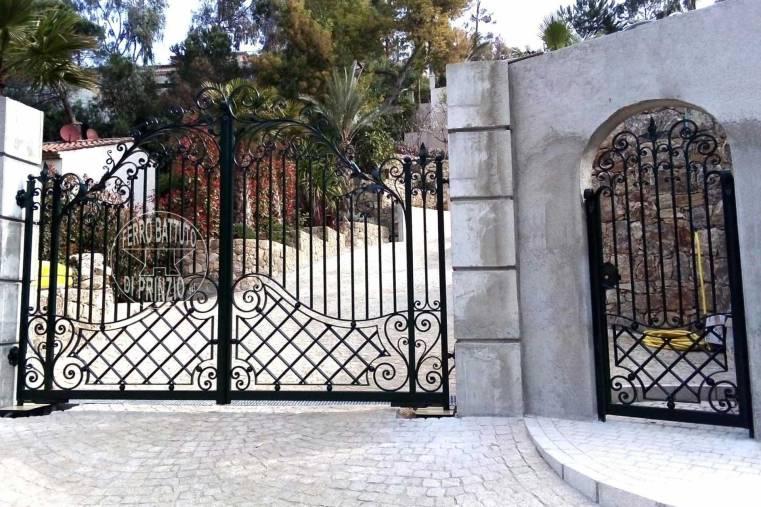 Cancelletto In Ferro Battuto : Cancelli in ferro battuto cancello in ferro lavori in ferro battuto