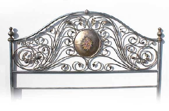 Letti in ferro battuto artigianali e made in italy for Testiera letto ferro battuto