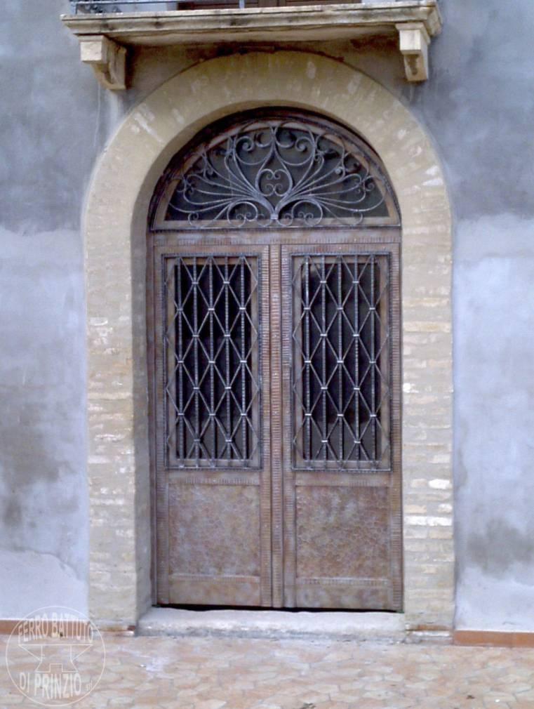 Porte in ferro battuto cancelli in ferro battuto letti - Cancello porta ingresso ...