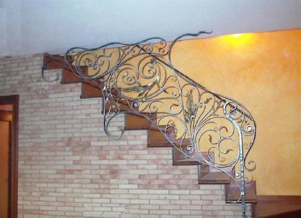 Ringhiere in ferro battuto ferro battuto recinzioni in - Scale in ferro battuto per interni ...