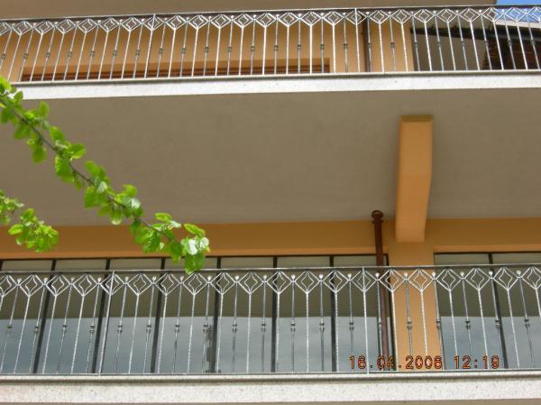 Ringhiere in ferro battuto: ferro battuto | recinzioni in ferro ...