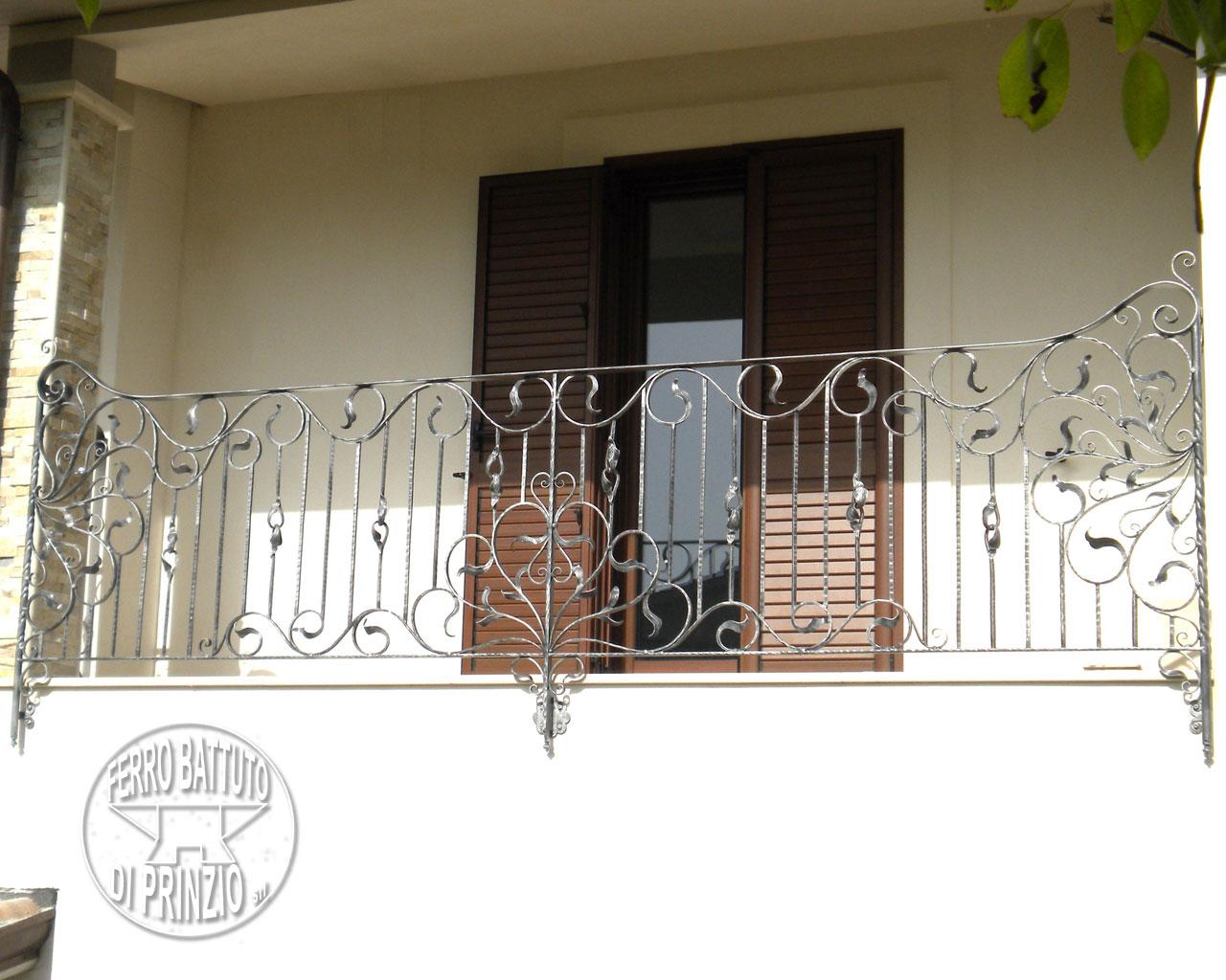 Pin Ringhiera In Ferro Battuto Con Decorazione Floreale on Pinterest