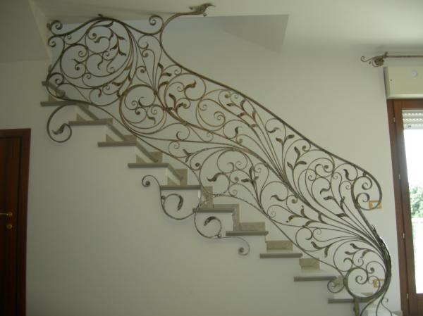 Ringhiere in ferro battuto ferro battuto recinzioni in - Ringhiere in ferro battuto per balconi esterni ...