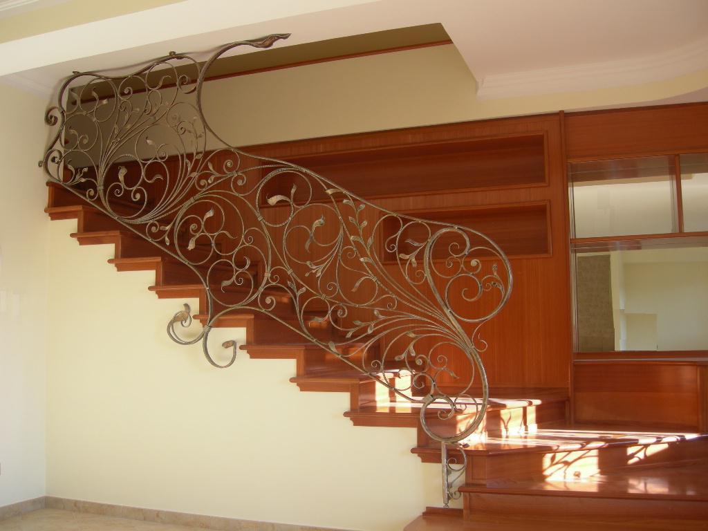 Cucine 240 cm profondit 100 cm - Scale in ferro battuto per interni ...